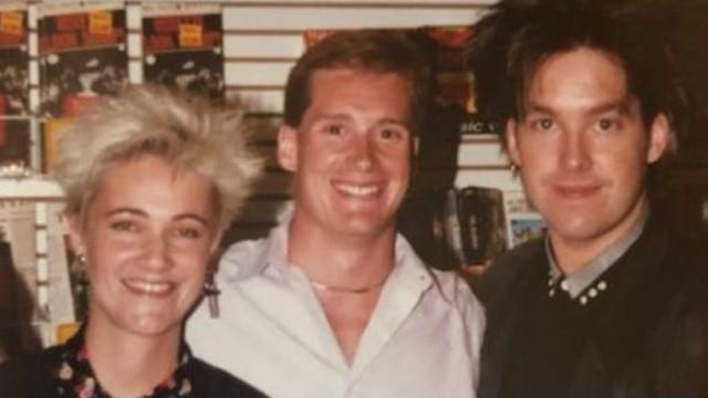 1988-ban a minneapolis-i Dean Cushman besétált a helyi KDWB 101.3 FM rádióhoz egy kazettával, hogy játsszák le a kedvenc dalát. Melyik együttes karrierjét indította el ezzel?