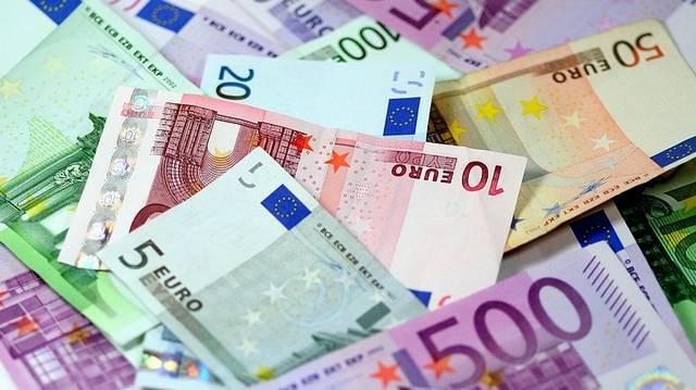 Hány európai országban használják hivatalos pénznemként az eurót? (2020-ban)