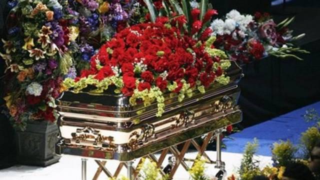 Mit énekelt a temetésén Jermaine Jackson?