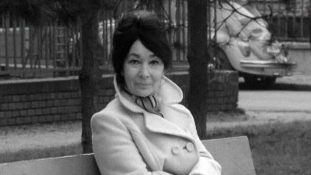 Szabó Magda a magyar irodalom kiemelkedő asszonya. Kossuth-díjas író, költő, műfordító, a Digitális Irodalmi Akadémia alapító tagja. Ki rendezte az Abigél című regényéből készült sorozatot?
