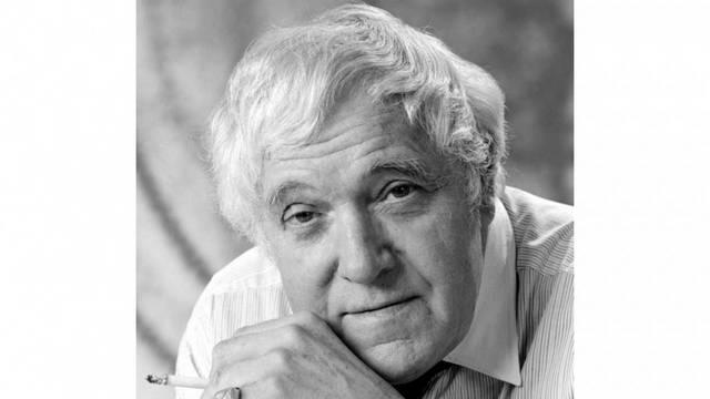Szabó Sándor Kossuth- és Jászai Mari-díjas magyar színművész, érdemes és kiváló művész. 1956-ban Amerikába ment, 1976-ban tért haza. Melyik alakítása vált legendássá?