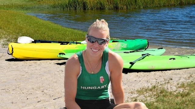 Szabó Gabriella háromszoros olimpiai bajnok, a magyar sport örökös bajnoka, kettes és négyes versenyszámok résztvevője. 2020 júniusában jelentette be visszavonulását.  Melyik sportágban jeleskedett?