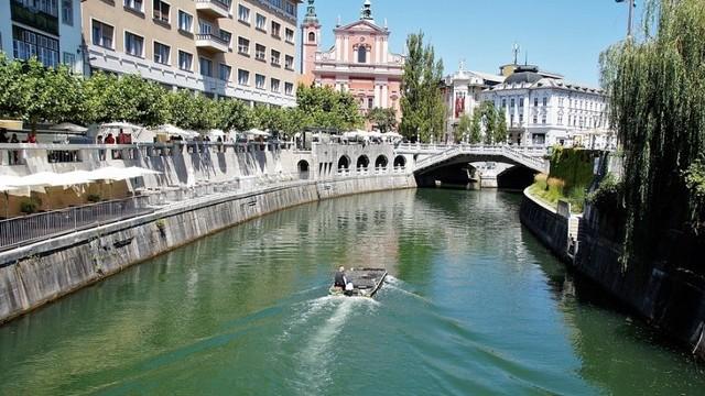 Melyik ország fővárosa Ljubljana?