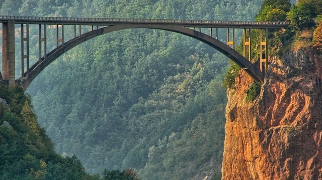Melyik ország fővárosa Podgorica?