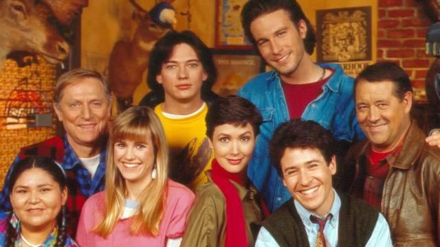 A Miért éppen Alaszka? (Northern Exposure) egy Emmy-díjas amerikai televíziósorozat, amely 1990 és 1995 között, hat évadon keresztül futott.