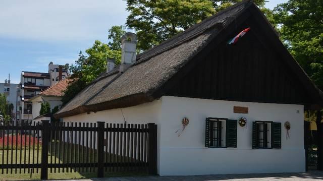 Melyik megyénkben található Petőfi Sándor szülőháza?