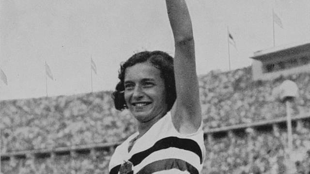 Milyen sportágban szerzett 1936-ban olimpiai aranyérmet Csák Ibolya?