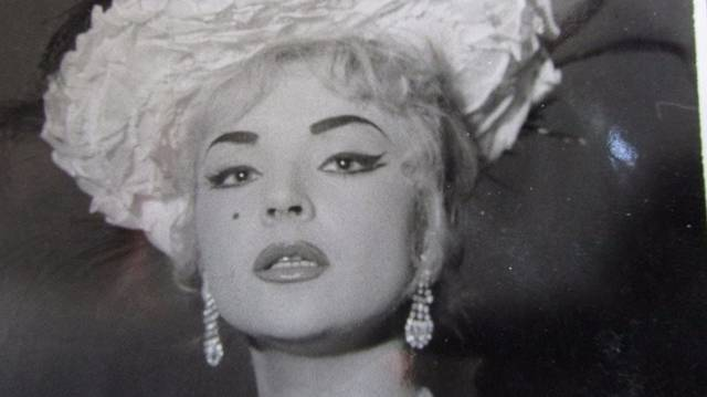 A magyar operaéneklés egyik legnagyobb csillaga, aki hasonló legendáriumot hagyott maga után, mint Maria Callas. Végigénekelte a klasszikus opera- és operettrepertoár vezető szopránszerepeit.