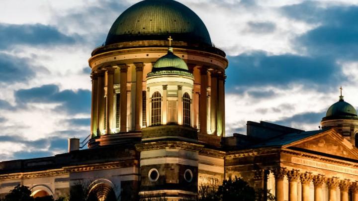 5.Esztergomi bazilika neve: