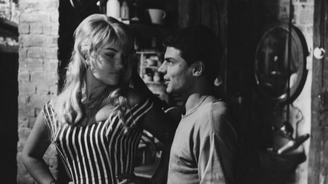 Ismertebb filmek, sorozatban, amelyekben szerepelt: A Tenkes kapitánya, Az aranyember, Indul a bakterház, Te rongyos élet, Linda. Szűcs Lajos olimpiai bajnok labdarúgóval voltak házasok.