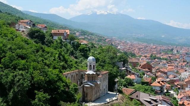 Melyik ország fővárosa Pristina?
