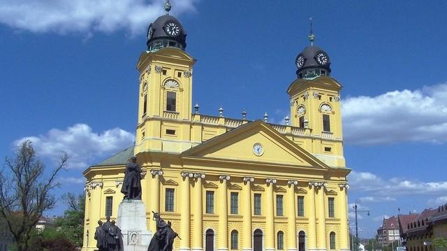 Az 1848-49-es forradalmi országgyűlésnek valamint 1944-esnek is ez a város adott otthont.