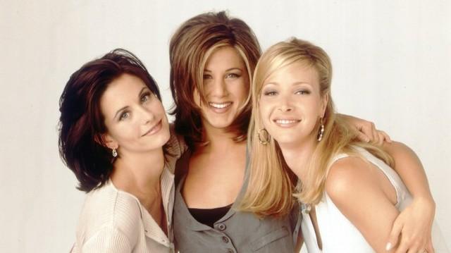 A való életben is jó barátnője. (Jennifer Aniston, barátnője kislányának a keresztanyja is) Ki ez a barátnő?