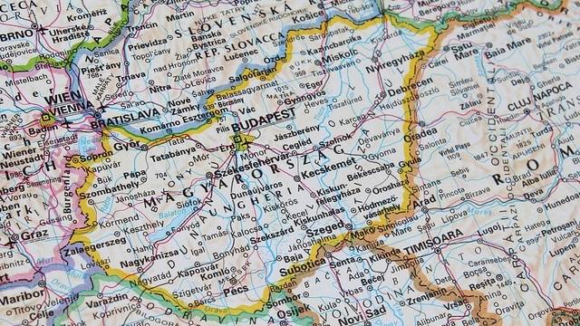 Az alábbiak közül melyik megyével határos Vas megye?