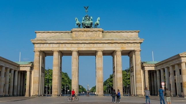 Melyik városban található a Brandenburgi kapu?
