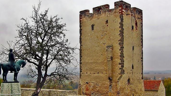 Hol található az alábbi vár Magyarországon?