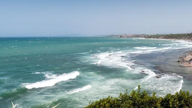 Melyik óceán található az amerikai kontinens és az európiai kontinens között?