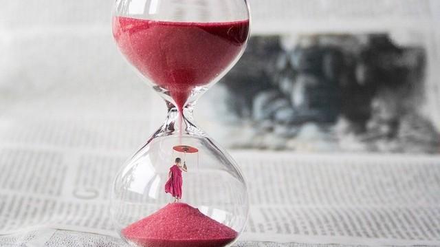 Ha Budapesten 13:00 óra van. Hány óra van Párizsban?