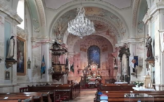 13+1 kérdés a solymári katolikus templomról