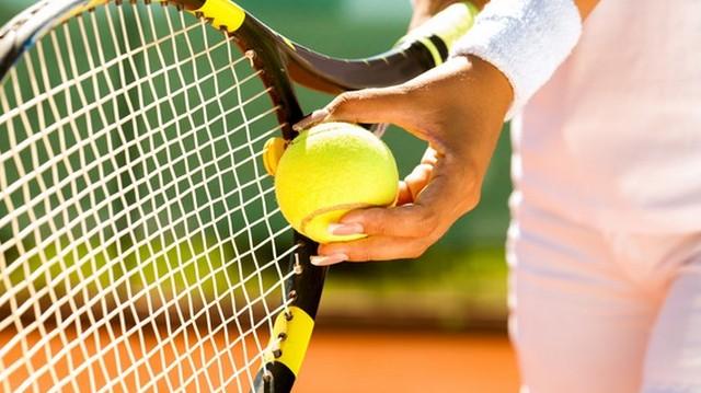 Martina Navratilova a híres teniszező, aki karrierje során 369 tornát nyert. Ma már amerikai állampolgár, de hol született?