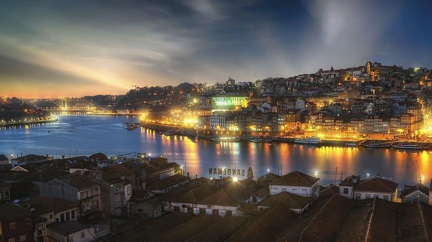 Melyik országban található Porto?