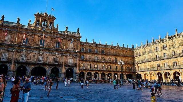 Melyik országban található Salamanca?