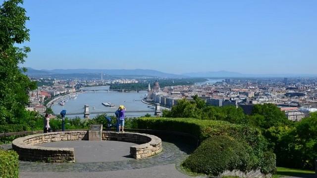Kelenföld, a Gellérthegy déli része, valamint Gazdagrét. Budapest mely kerületéhez tartoznak?