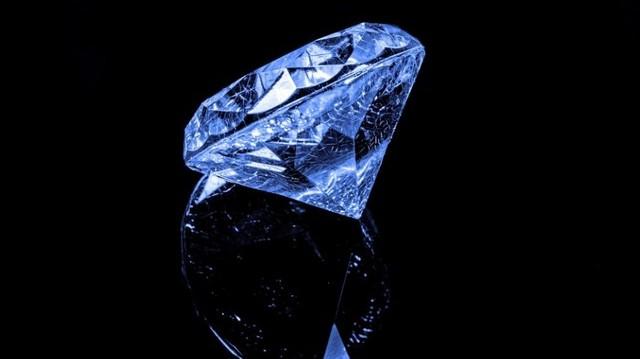 Mi a különbség a gyémánt és a briliáns között?
