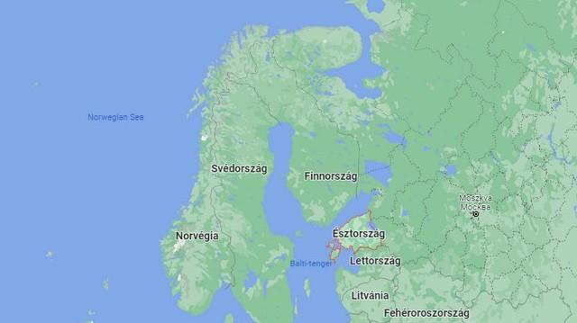 Finnország nyugati és Svédország keleti partja között helyezkedik el.